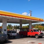 Shell gas station bend or