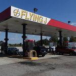 Flying j travel plaza carnesville ga