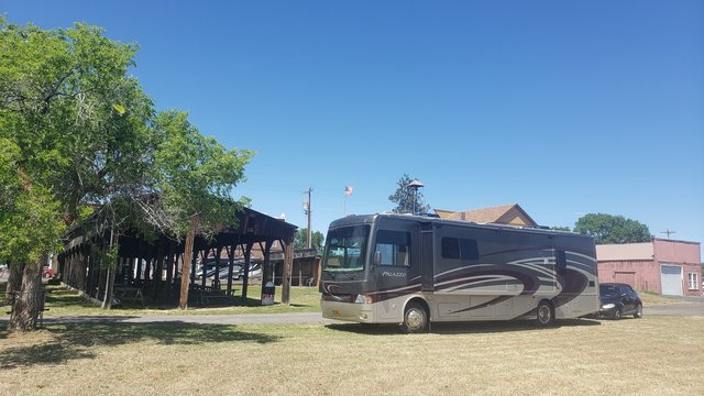 Shaniko ghost town campground