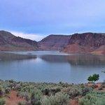 Lake owyhee state park